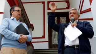 Andrés Manuel López Obrador y Marcelo Ebrard, en la Ciudad de México, México, el 22 de julio de 2018.