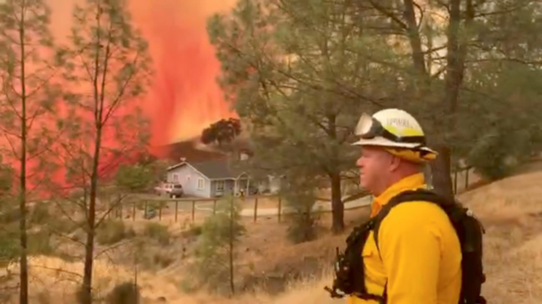 Un pompier à Berryessa Estates, en Californie, le 21 août 2020.