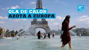 Una mujer se refresca con el agua de la fuente de la Plaza del Trocadero, frente a la Torre Eiffel, durante la ola de calor que recorre París este martes 25 de junio (Francia). Las temperaturas llegarán a los 40 grados centígrados esta semana.