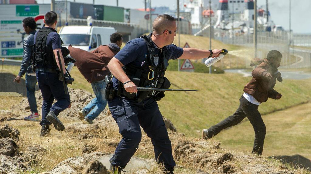 """Résultat de recherche d'images pour """"violences policières sur les migrants"""""""