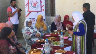 À travers l'élection de la meilleure cuisinière, l'association Tunisia Youth Impact espère sensibiliser les femmes des zones rurales au vote.