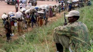 Le spectre du génocide rwandais continue de planer sur les relations franco-rwandaises. Ici, une photo montrant un camp de réfugiés hutu, en 1995.
