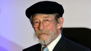 """Connu pour ses rôles dans """"Elephant Man"""" et """"Midnight Express"""", John Hurt est décédé à l'âge de 77 ans."""