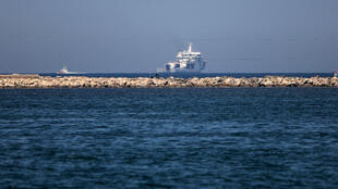 Vue du navire Diciotti des garde-côtes italiens.