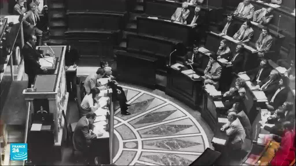 وزير العدل الفرنسي روبير بادينتير في مجلس النواب، في 17 أيلول – سبتمبر 1981