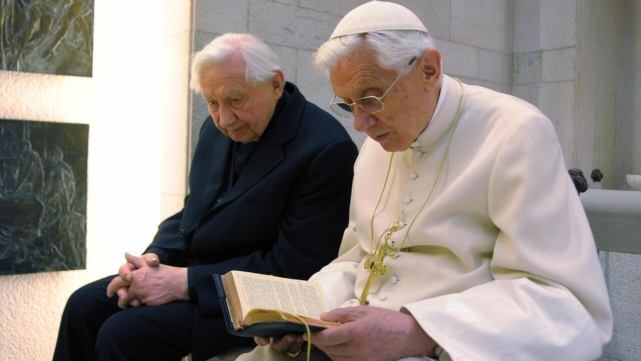 Former pope Benedict XVI 'extremely frail', says German newspaper report