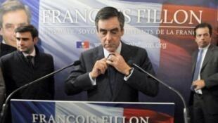 مرشح الانتخابات التمهيدية لليمين الفرنسي فرانسوا فيون