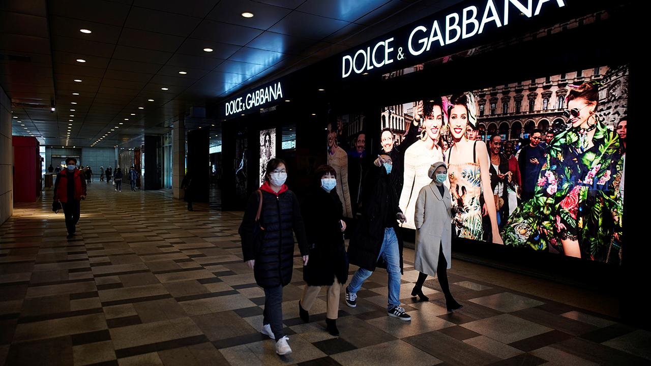La vida vuelve a la normalidad en Wuhan, como demuestra la reapertura de centros comerciales.