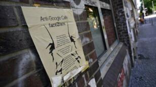 Affiche anti-Google dans le quartier de Kreuzberg à Berlin, le 22 mai 2018