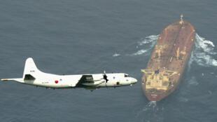 Le gouvernement japonais a annoncé, le 27 décembre 2019, que le Japon allait dépêcher un navire militaire et deux avions pour aider à protéger les voies maritimes au Moyen-Orient, stratégiques pour le pétrole.