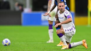 L'attaquant de la Fiorentina Franck Ribéry sur la pelouse de l'Inter Milan en Serie A le 26 septembre 2020