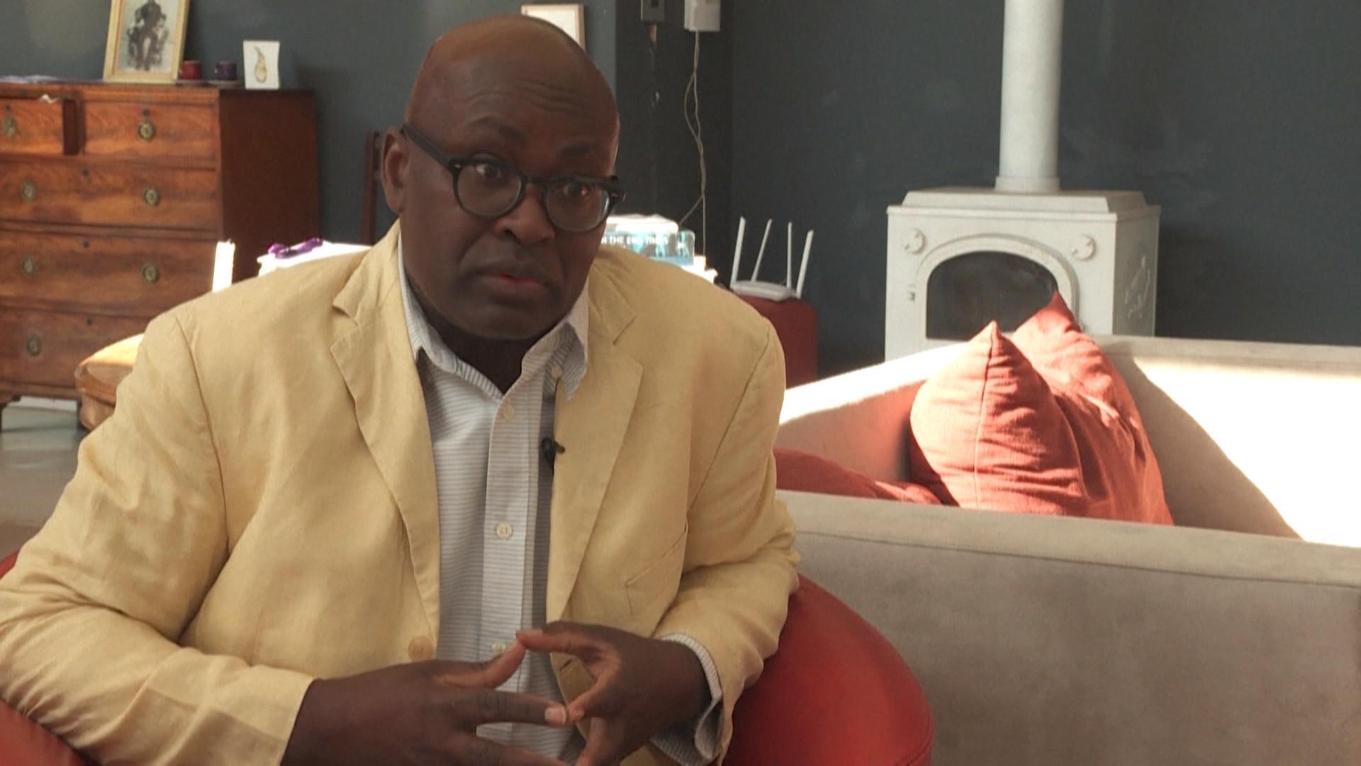 """Le rapport Mbembe appelle à reconnaître """"les racines africaines de la France """""""