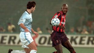 Avant d'être élu jeudi président du Liberia, George Weah a été, dans les années 1990, un très grand joueur de foot.