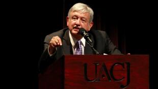 El presidente electo de México, Andrés Manuel López Obrador, se dirige a la audiencia durante el Primer Foro de Pacificación y Reconciliación, destinado a promover la paz en el país, en Ciudad Juárez, México, el 7 de agosto de 2018.