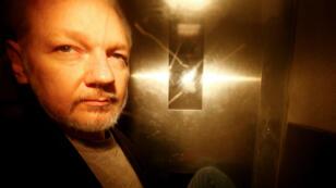 Julian Assange, à sa sortie du tribunal de Southwark Crown Court, après avoir été condamné à 50 semaines de prison, le 1er mai 2019.