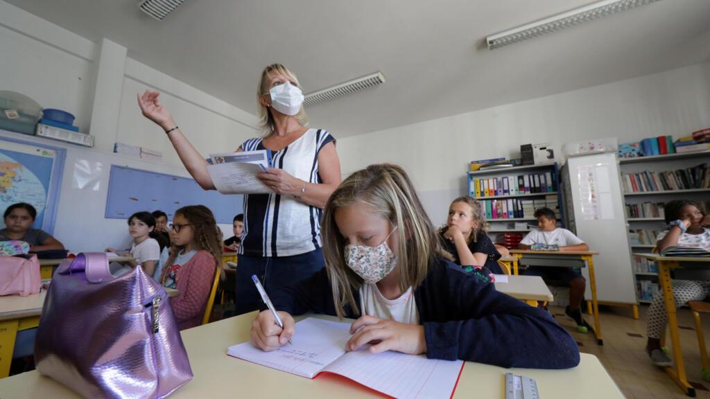 Covid-19 en France : le protocole sanitaire allégé dans les écoles dès mardi