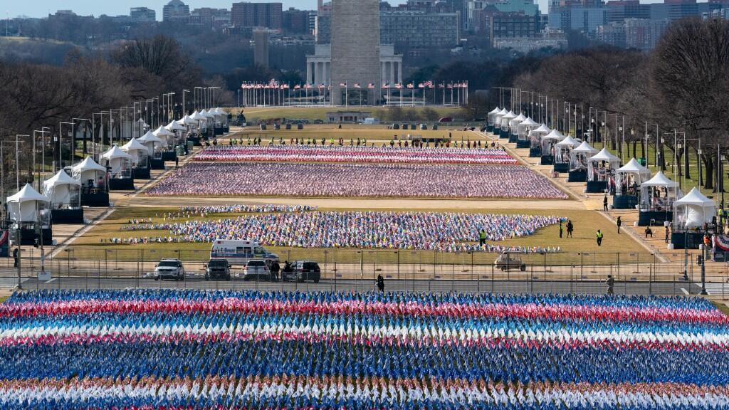 More than 200,000 flags were placed on the esplanade of the National Mall due to restrictions on people due to the pandemic.