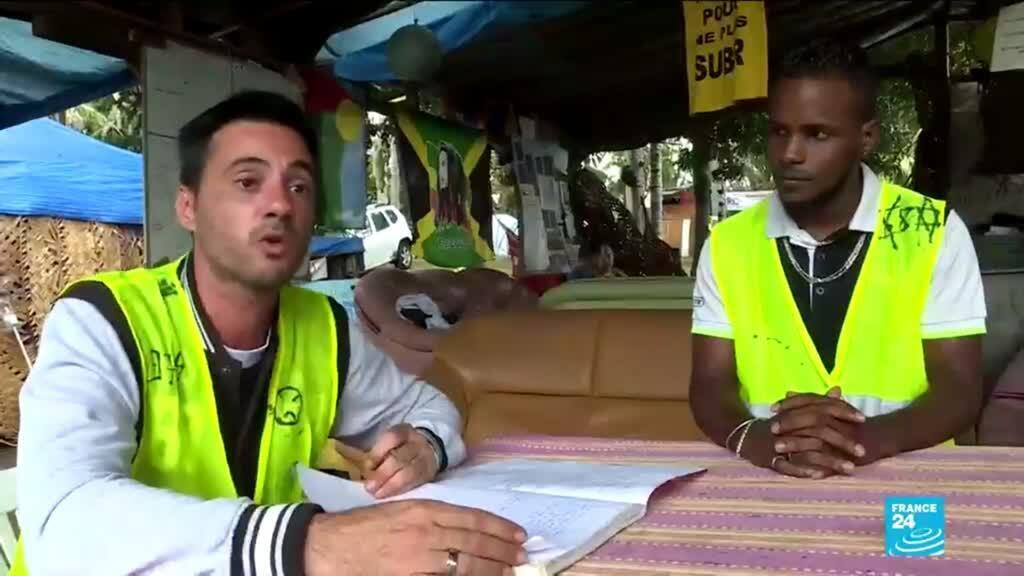 Screengrab from FRANCE 24's special report on the Yellow Vest protestors in Reunion Island.