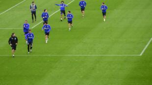 Les joueurs de Schalke 04 à l'entraînement le 29 avril 2020 à Gelsenkirchen (Allemagne)