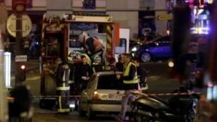صورة ملتقطة في 13 تشرين الثاني/نوفمبر 2015  في الدائرة العاشرة من العاصمة الفرنسية بعد الاعتداءات