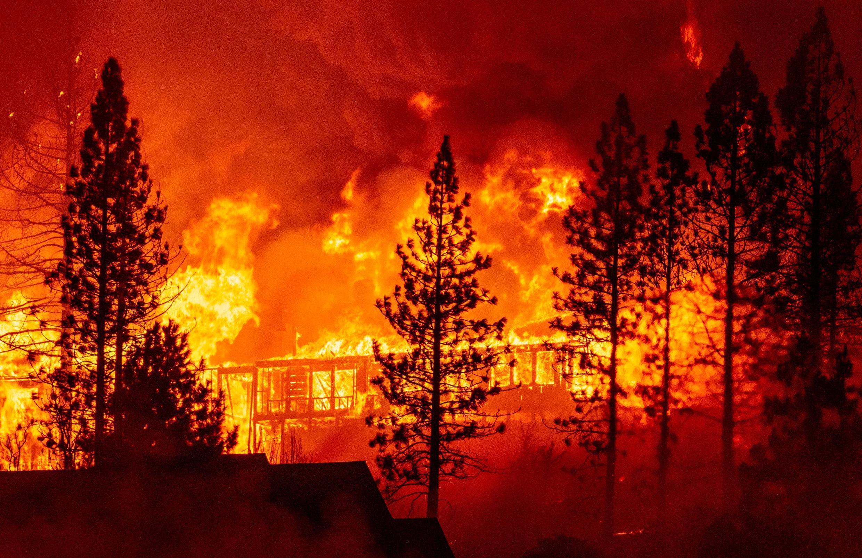 Des incendies d'une ampleur historique ravagent la côte ouest américaine et ont causé la mort de six personnes dont un enfant d'un an.