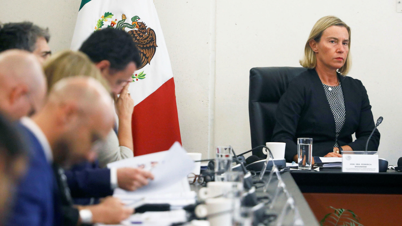 La jefa de Política Exterior de la Unión Europea, Federica Mogherini, se reúne con los senadores en el edificio del Senado en la Ciudad de México, México, 10 de septiembre de 2019.