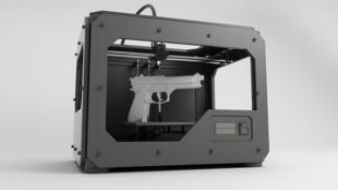Cody Wilson propose de fabriquer soi-même avec une imprimante 3D des armes aussi diverses qu'un révolver ou un M16.