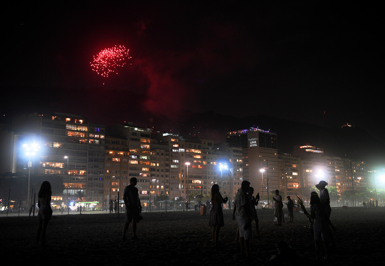 Le réveillon à la plage de Copacabana, à Rio de Janeiro, au Brésil.