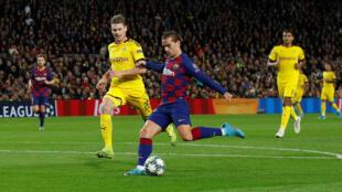 نادي برشلونة الإسباني بمواجهة بروسيا دورتموند الألماني - 27/11/2019