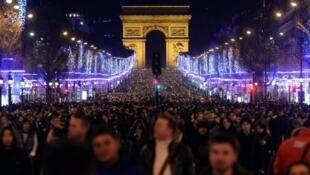 L'avenue des Champs-Élysées, le 1er janvier 2014.