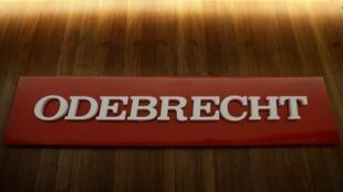 El logotipo corporativo del conglomerado de construcción de Odebrecht SA se muestra en su sede en Sao Paulo, Brasil, el 3 de agosto de 2018.