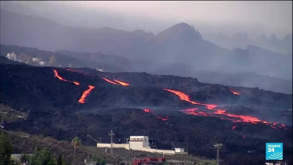 2021-10-25 15:11 Volcan Cumbre Vieja aux Canaries : près de 70 % de l'île recouverte de cendres