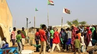 لاجئون من جنوب السودان في مخيم العليقات في 27 شباط/فبراير 2017
