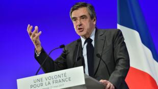 François Fillon, le 21 mars 2017, à Courbevoie, en région parisienne.