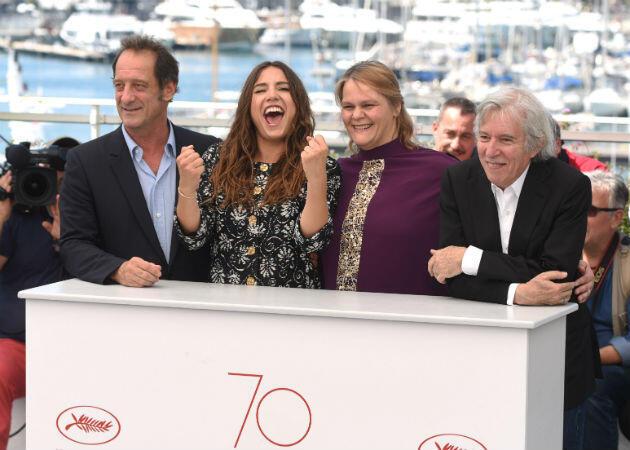 """Les comédiens Vincent Lindon, Izïa Higelin, Séverine Caneele et le réalisateur Jacques Doillon, auteur de """"Rodin""""."""