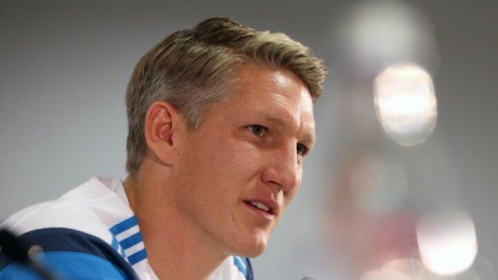 لاعب بايرن سابقا، باستيان شفاينشتايغر، والذي انتقل مؤخرا إلى مانشستر يونايتد.
