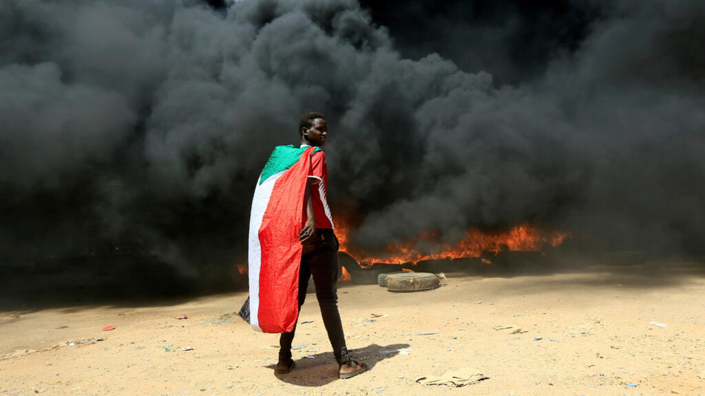 Live: Sudan's armed forces detain PM Hamdok for refusing to join 'coup'