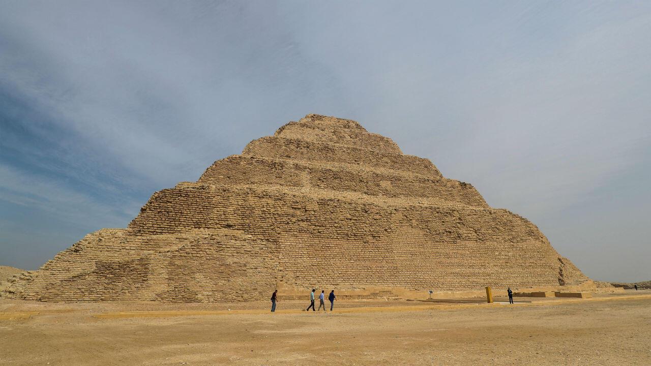 La pyramide du pharaon Djoser à Saqqara, vieille de 4.700 ans et considérée comme la plus ancienne encore visible en Égypte, a rouvert au public jeudi 5 mars 2020, après plusieurs années de rénovation
