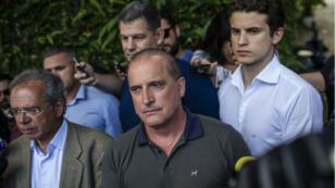 Le député Onyx Lorenzoni (au centre) est pressenti pour devenir le Premier ministre de Jair Bolsonaro.