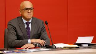 El ministro de Comunicaciones e Información de Venezuela, Jorge Rodríguez, asiste a una conferencia de prensa en el Palacio de Miraflores en Caracas, Venezuela, el 3 de septiembre de 2018.