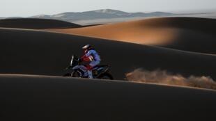 Le motard portugais Paulo Gonçalves avant sa chute mortelle lors de la 7e étape du Dakar 2020 entre Riyad et Wadi Al Dawasir, en Arabie saoudite, le 12 janvier 2020.