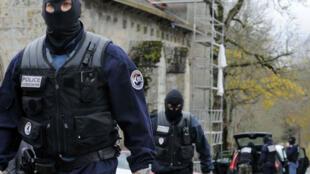 L'affaire avait suscité en 2008 un retentissement politique et médiatique très important dans la ville de Tarnac.
