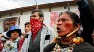 Des indigènes durant une manifestation contre les mesures d'austérité du président Lenin Moreno à Quito, le 11 octobre 2019.