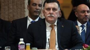 رئيس حكومة الوفاق الوطني الليبية فايز السراج في تونس في 22 آذار/مارس 2016