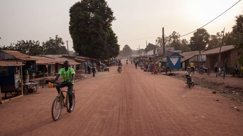Plus de 65000 personnes ont déjà fui les combats dans le nord-ouest , selon l'ONU.