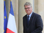 French pension reform offers incentives to work until age 64
