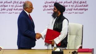 Firma acuerdo talibanes