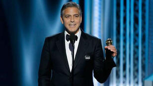 George Clooney a affiché son soutien aux victimes des attentats lors de la soirée des Golden Gobes, dimanche 11 janvier.