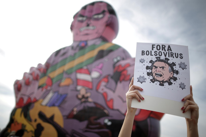 2021-05-30T050527Z_452867316_RC2LPN93XU1F_RTRMADP_3_BRAZIL-POLITICS-PROTESTS