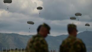 Tropas colombianas y estadounidenses realizan ejercicios militares conjuntos en Tolemaida, Colombia, el 26 de enero de 2020.